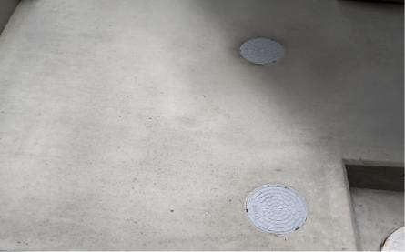 土間コンクリートについた足跡の補修後